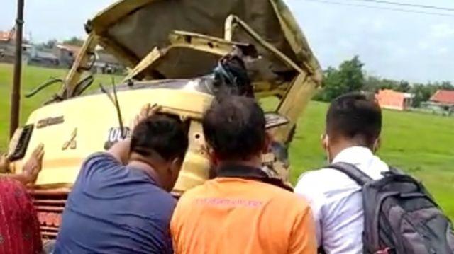 Truk Tertabrak KA di Jombang, Dua Tewas