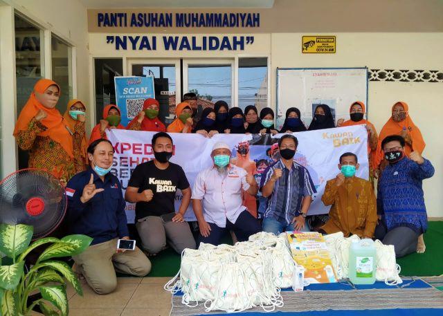 Kawan Baik Indonesia dan Lazismu Berikan Santunan
