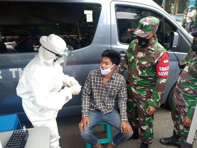 Lantamal V Adakan Swab Antigen Gratis Bagi Warga Surabaya